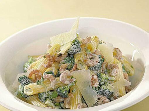 Romige pasta met Hollandse garnalen en broccoli