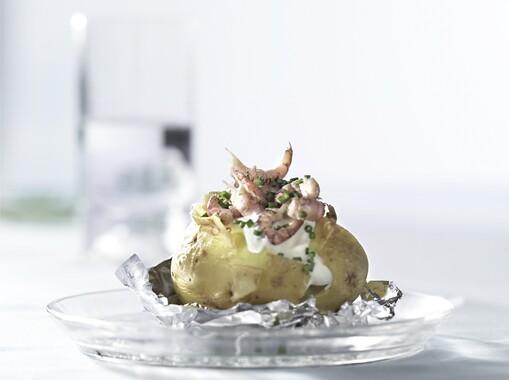 Gepofte aardappel met Hollandse garnalen